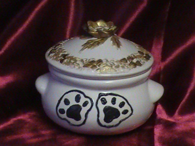MITTONS  CERAMIC PET URNS
